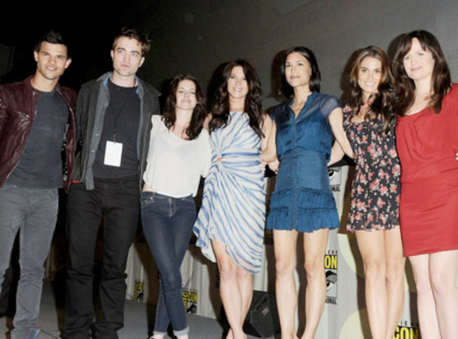 Taylor Lautner, Robert Pattinson,Kristen Stewart,Ashley Greene, Christian Serratos, Nikki Reed, Elizabeth Reaser
