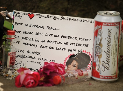 Amy Winehouse, Fans, Memorial