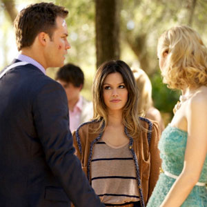 HART OF DIXIE PICTURED: SCOTT PORTER, RACHEL BILSON, JAIME KING