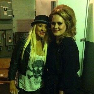 Christina Aguilera, Adele, Twitter