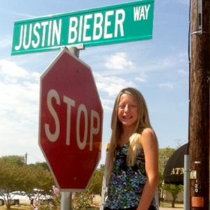 Caroline Gonzalez, Justin Bieber