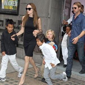 Angelina Jolie, Brad Pitt, Pax, Maddox, Shiloh, Zahara