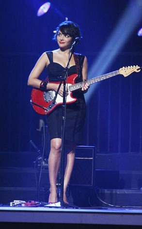 Norah Jones, Dancing with the Stars Performances, DWTS