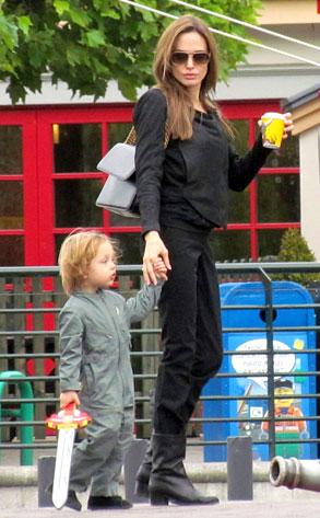 Angelina Jolie, Knox Pitt