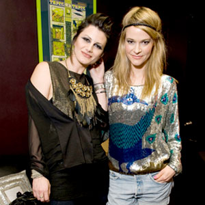 Camila Grey, Leisha Hailey