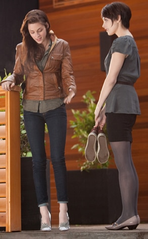 Kristen Stewart, Ashley Greene, Breaking Dawn Part 1