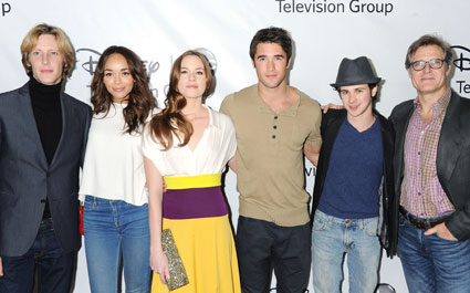 Gabriel Mann, Ashley Madekwen Christa B. Allen, Josh Bowman, Connor Paolo, Henry Czerny