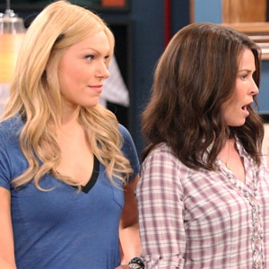 Laure Prepon, Chelsea Handler, Are You There, Chelsea