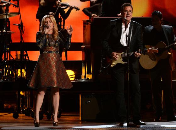 Kelly Clarkson, Vince Gill, CMA's