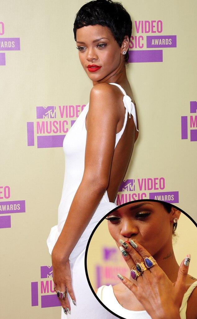 Rihanna, manicure