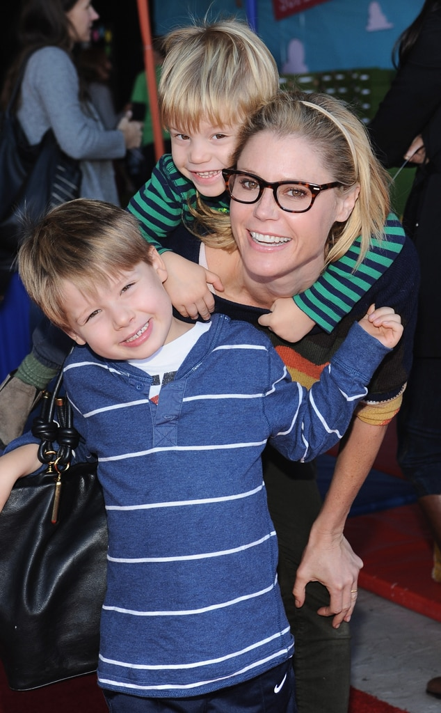 Julie Bowen, Sons