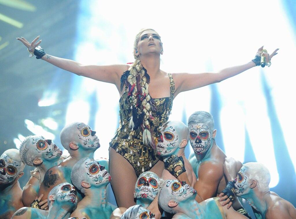 Kesha, AMA Show