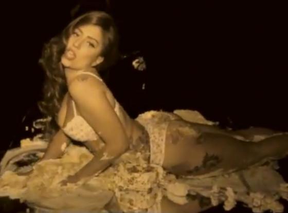 Lady Gaga, Cake