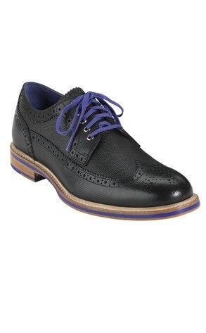 Robert Pattinson, Shoe