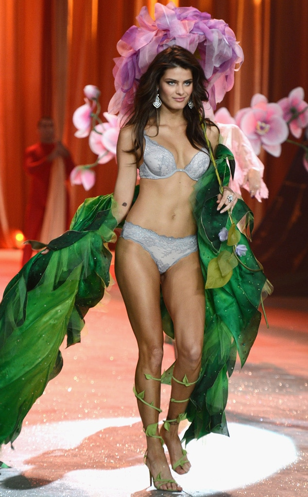 Isabeli Fontana, Victoria's Secret Fashion Show