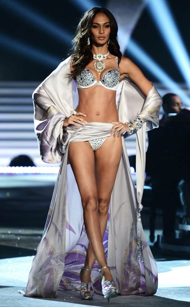 Victoria's Secret Fashion Show, Joan Smalls