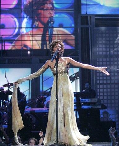 Whitney Houston s comeback - Mirror Online 37