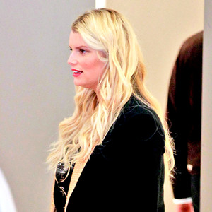 Jessica Simpson Baby News: See Mom-to-Be Talk Pregnancy in Weight Watchers Ad