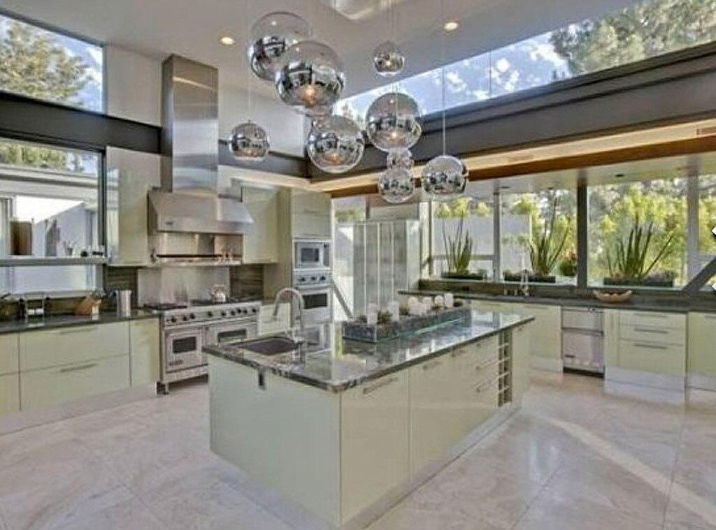 Ashton Kutcher, Kitchen