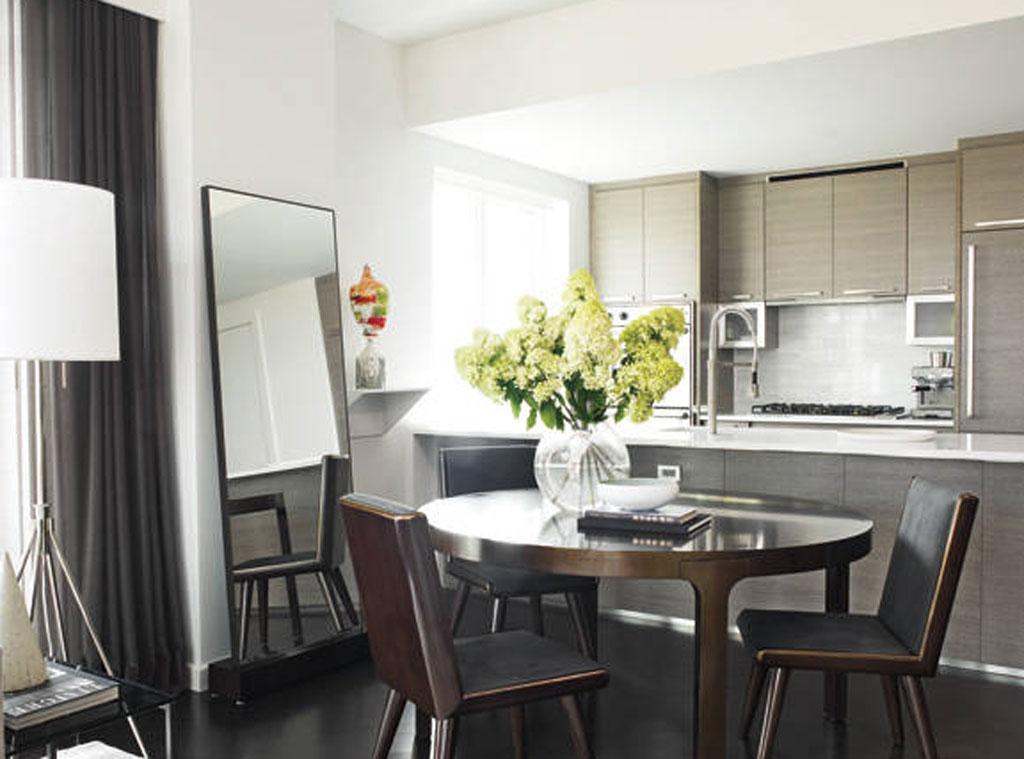 Hilary Swank, Kitchen
