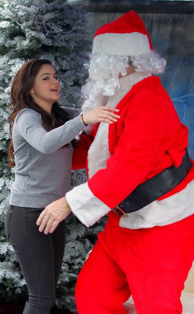 Ariel Winter, Santa