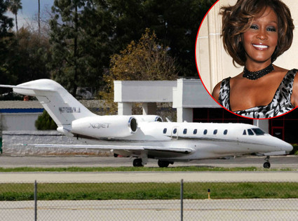 Whitney Houston, plane