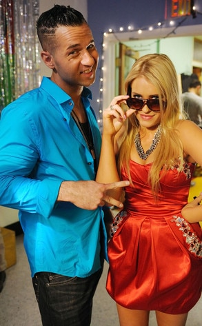 Mike Sorrentino, Carly Chaikin, Suburgatory