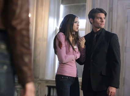 Nina Dobrev, Daniel Gillies, THE VAMPIRE DIARIES