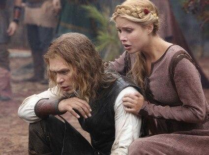 THE VAMPIRE DIARIES, Joseph Morgan, Claire Holt