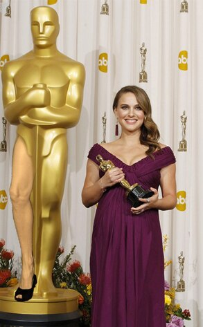 Natalie Portman, Angelina Leg