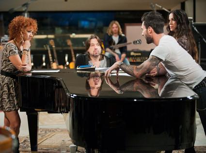 THE VOICE, Whitney Myer, Adam Levine, Alanis Morissette