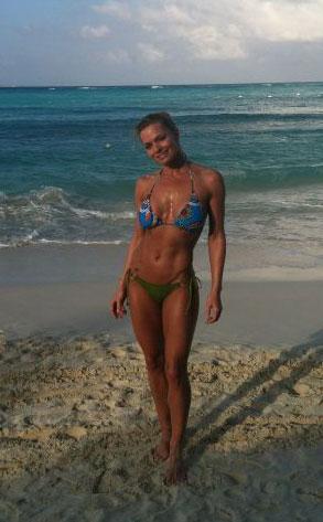 Bikini Shot of the Day: Jaime Pressly Kills It in Cancun ...
