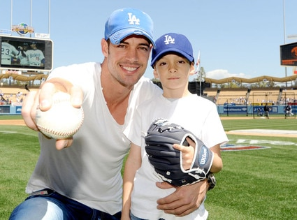 William Levy, Dodger Dawgs