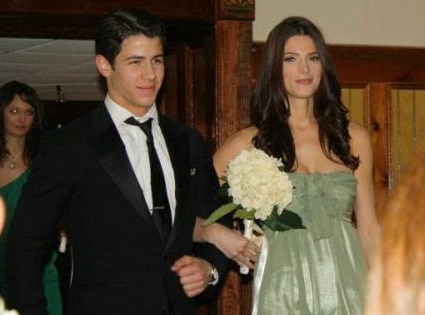 Nick Jonas, Ashley Greene