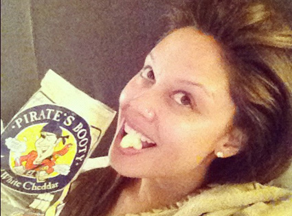 Vanessa Lachey, Twit Pic