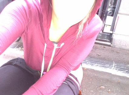 Kesha, Twitter