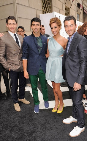 E! Upfront, Nick, Joe, Danielle and Kevin Jonas