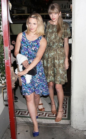 Taylor Swift, Dianna Agron