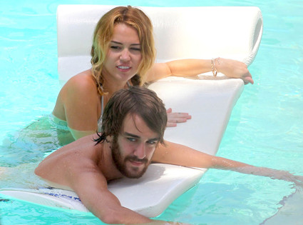 Miley Cyrus, Cheyne Thomas