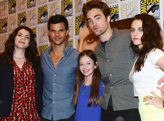 Twilight Sequels? Robert Pattinson: I Pity the Person Who ...