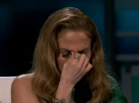 Jennifer Lopez, Crying