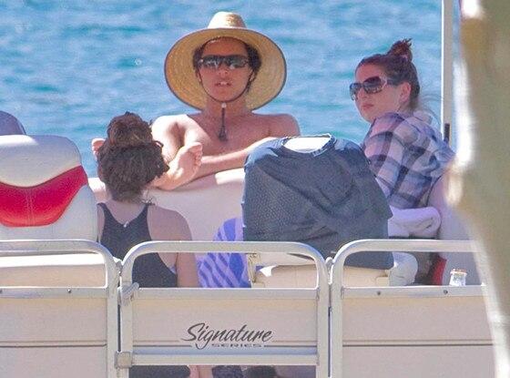 Connor Cruise, Isabella Cruise