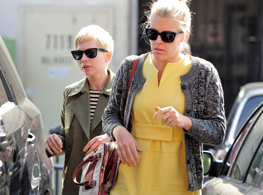 Michelle Williams, Busy Philipps