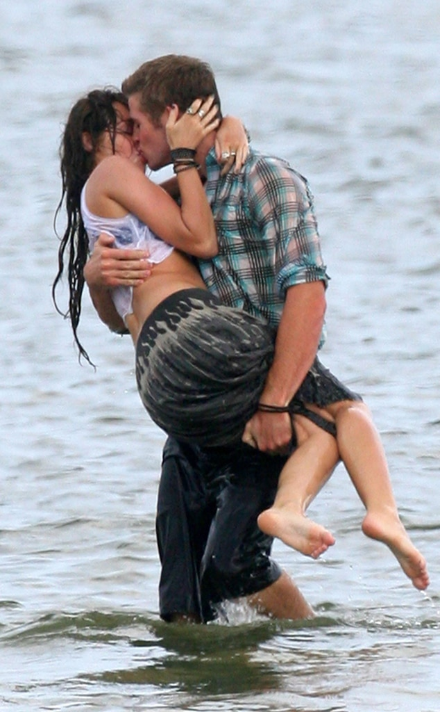 cyrus hemsworth beach Miley and liam