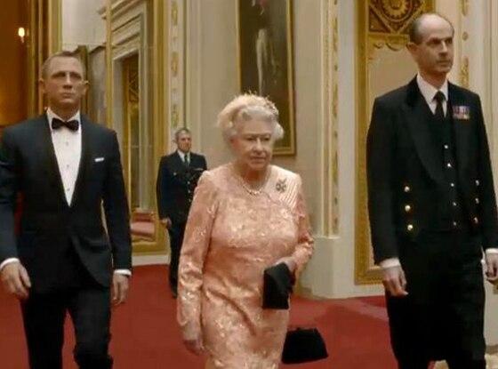 Daniel Craig, Queen Elizabeth