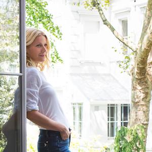 Gwyneth Paltrow, GOOP Jeans