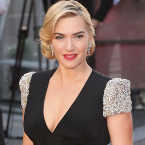 Kate Winslet Gives Div...