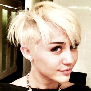 Miley Cyrus Twit Pic