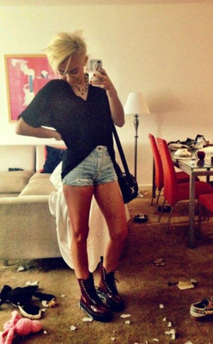 Miley Cyrus Twit Pic