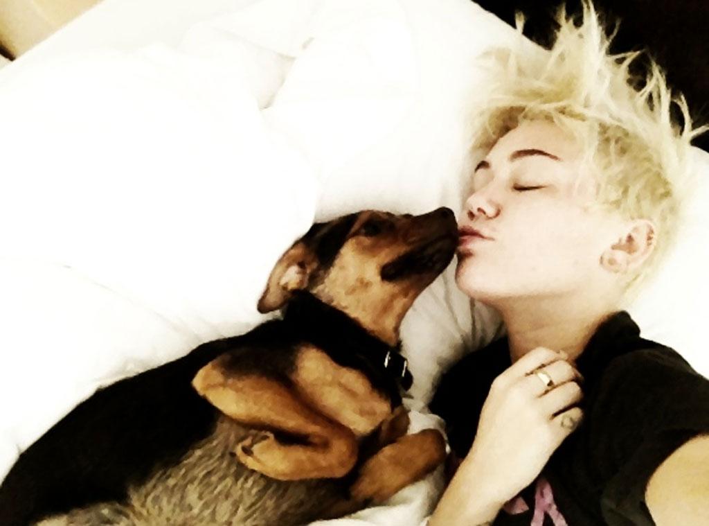 Miley Cyrus, sleeping